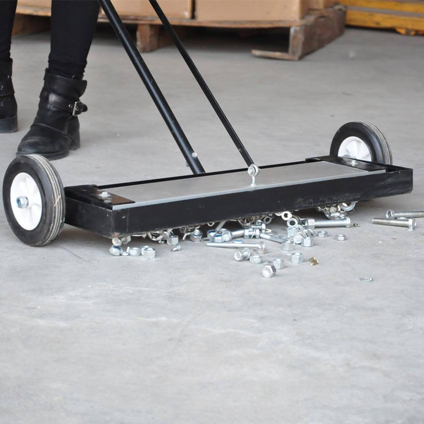 Quik Clean Push Style Magnetic Sweeper Magnets Inc Com